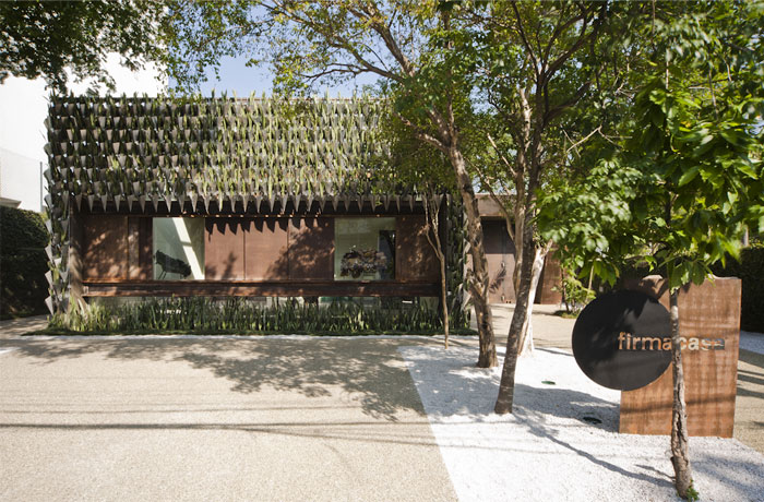 unusual-landscape-architecture-design-covered-entire-facade