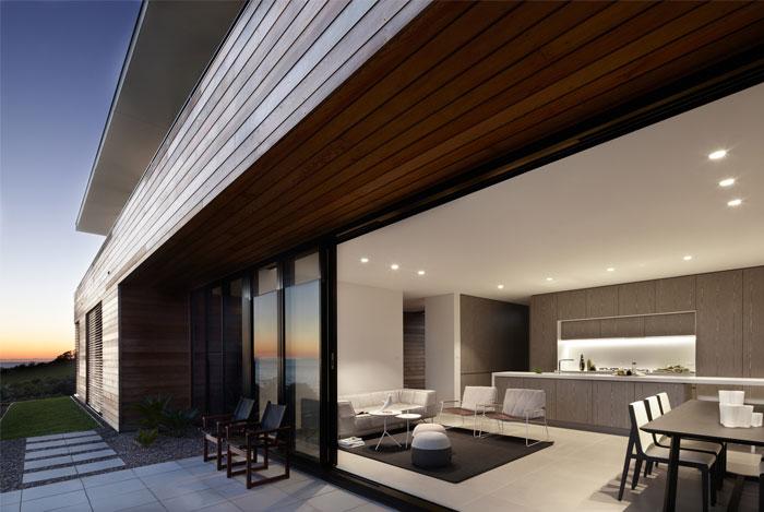 simple clean interior decor