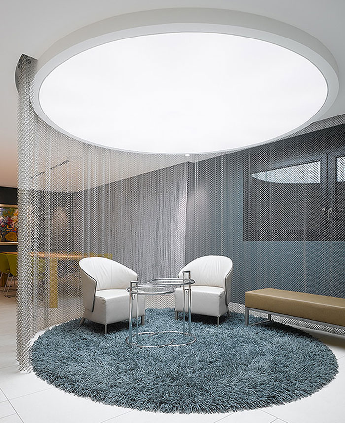 attractive-metal-curtain