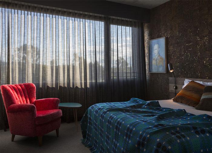 bedroom-decor-vintage-couches