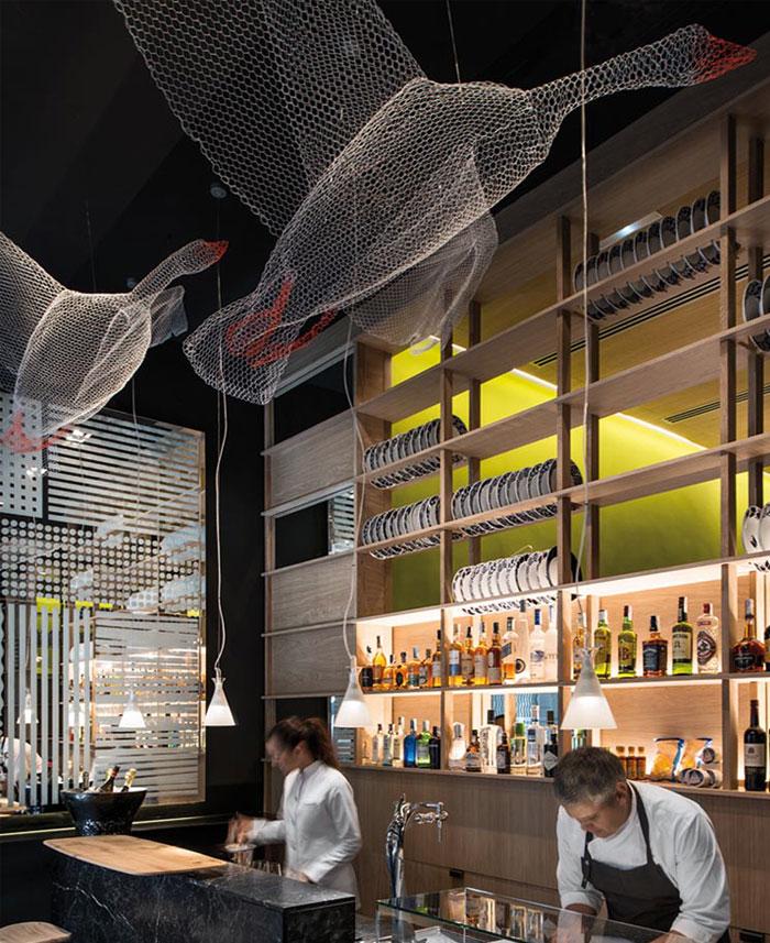 playful-contemporary-restaurant-design