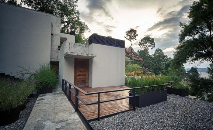 raw-concrete-house-entrance