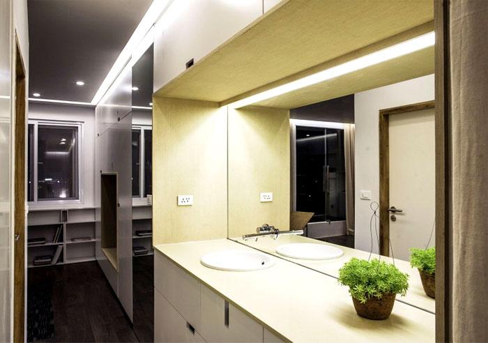 small-modest-apartment-bathroom
