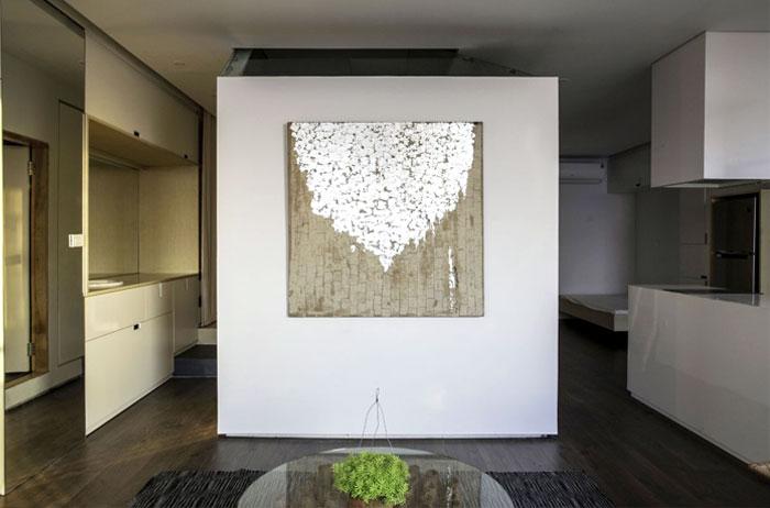 small-modest-apartment-interior