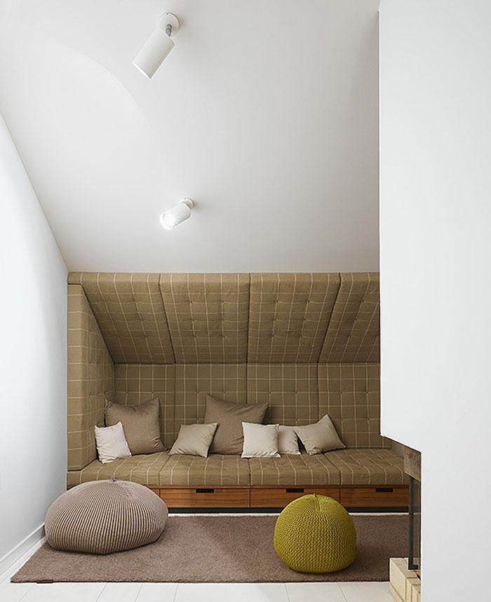 stylish-apartment-fantastic-cozy-sofa