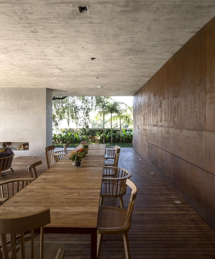 dining area sustainble furnishing decorating