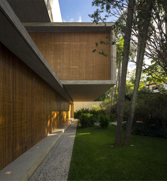 dynamic attractive p house