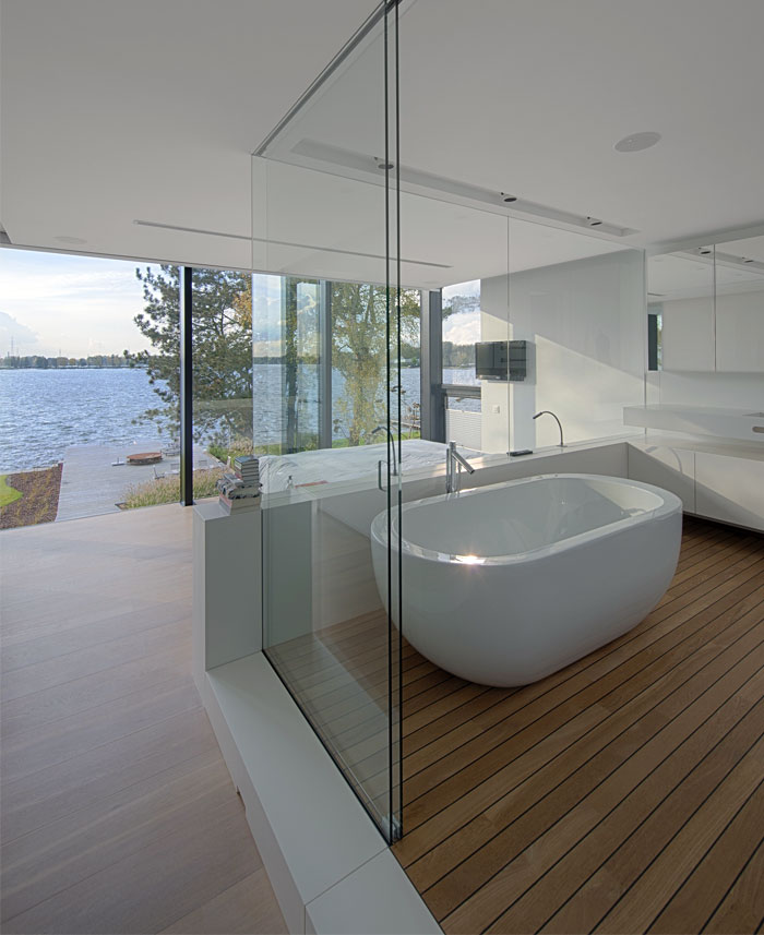glass-wall-bathroom