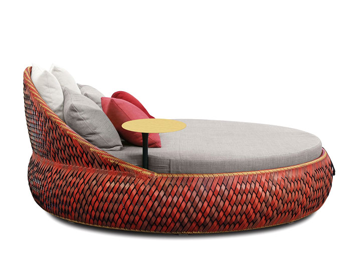 hand-woven-elegant-nest