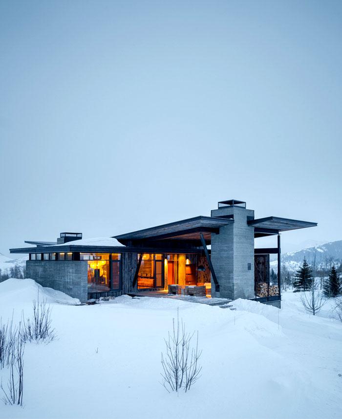 house enviable snow view mountains