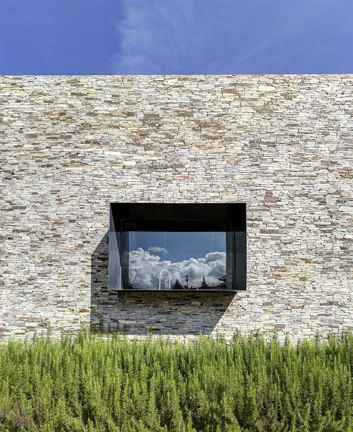 stone house elias rizo arquitectos