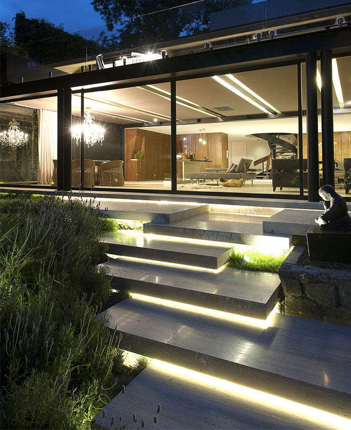translucent-facade-wide-windows