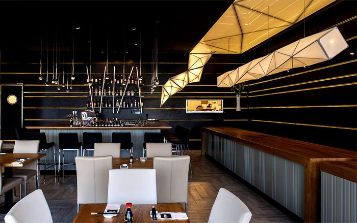 black-ceiling-restorant-decor