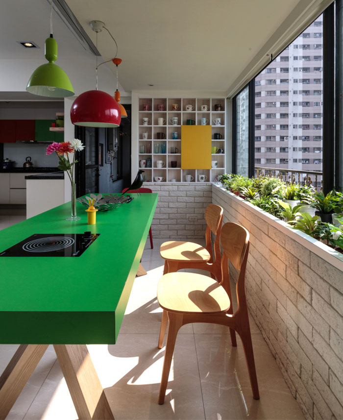 bright-cheery-living-room-decor
