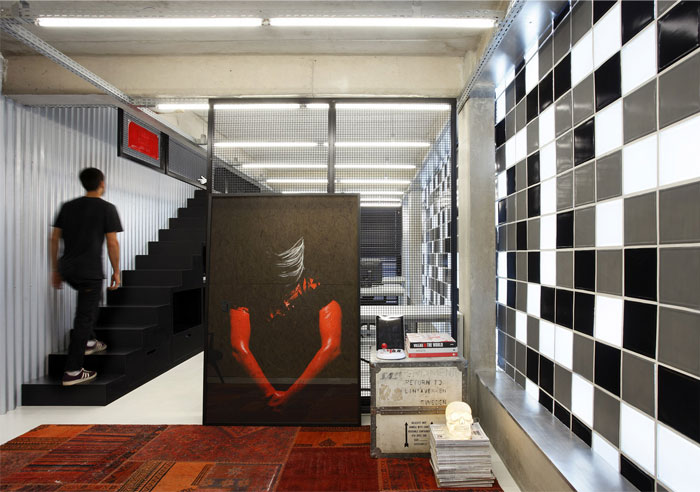 contemporary-work-place-tile-decor