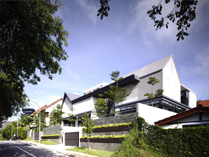 singapore-semi-detached-family- houses