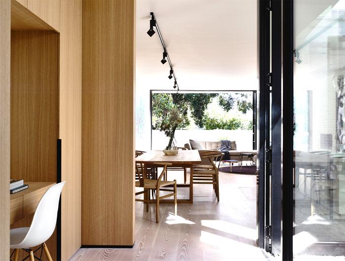 natural-color-palette-reinforced-elegant-black-details