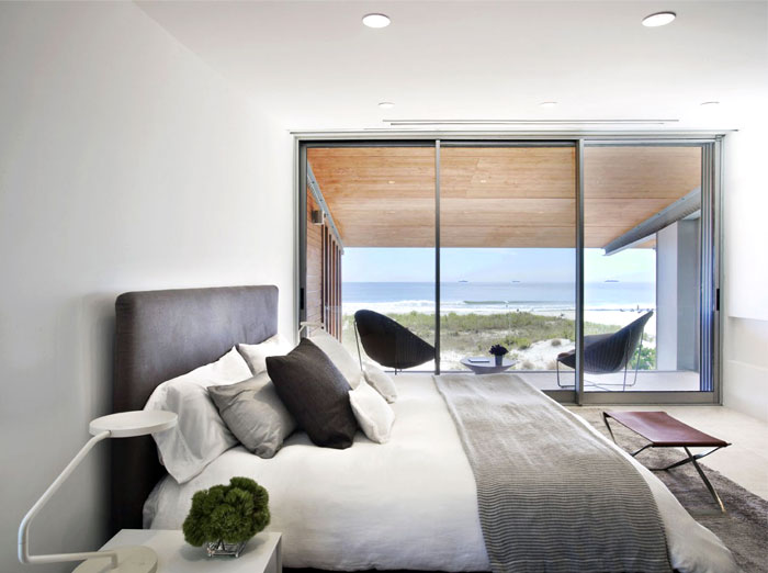 sea house strong individuality bedroom