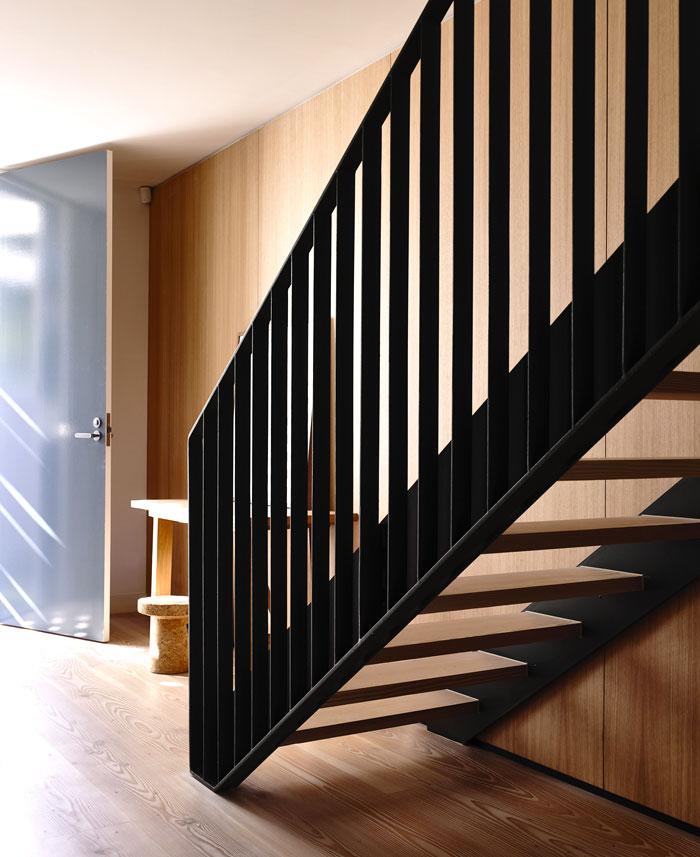 staircase black metal frame