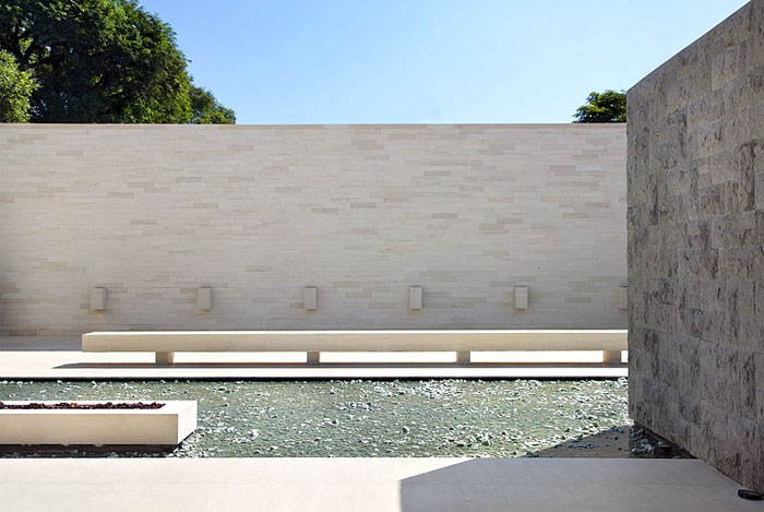villa deca guilherme torres pool area