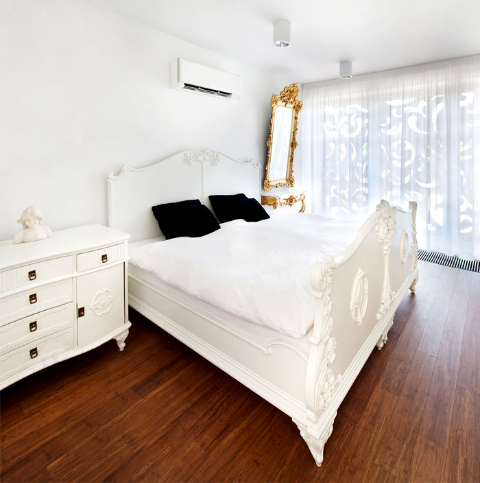 bedroom-smooth-curves-patterns-old-furniture
