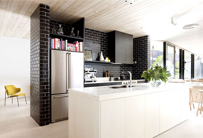 brick-house-kitchen