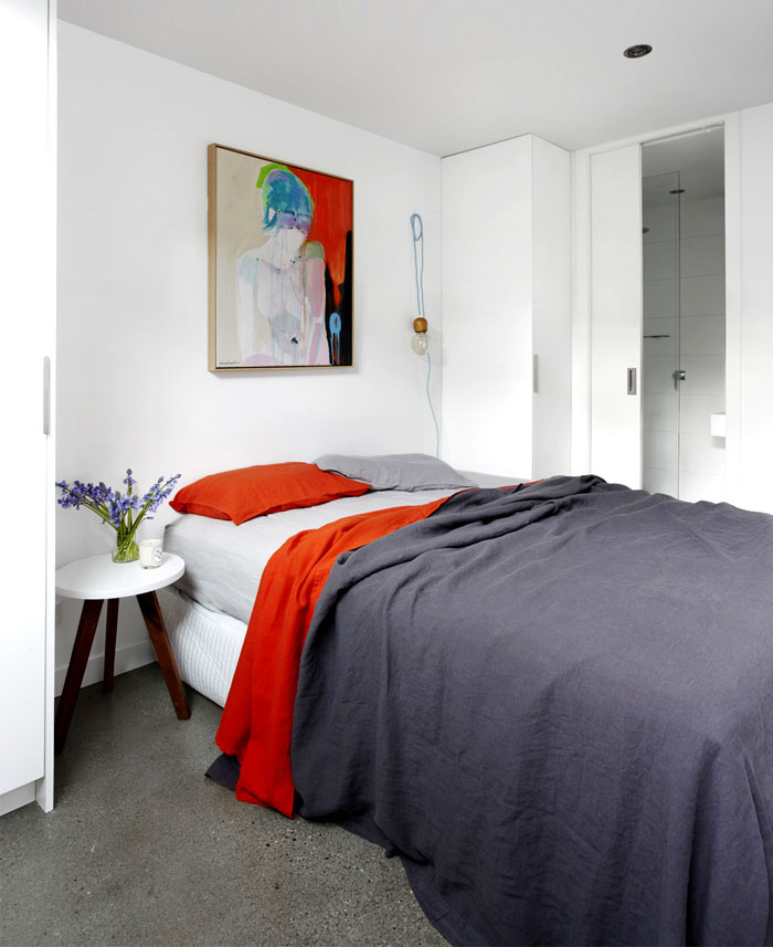 dynamic-artistic-bedroom-interior