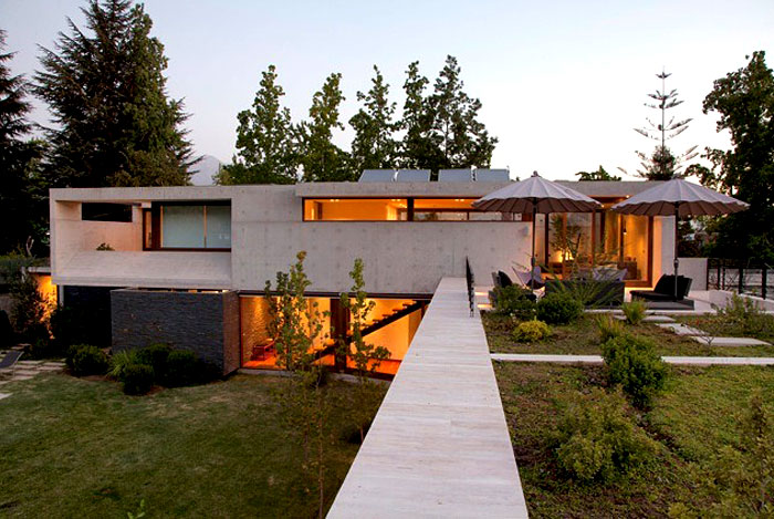 dynamic-chilean-house-garden