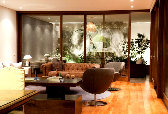 dynamic-chilean-house-living-room
