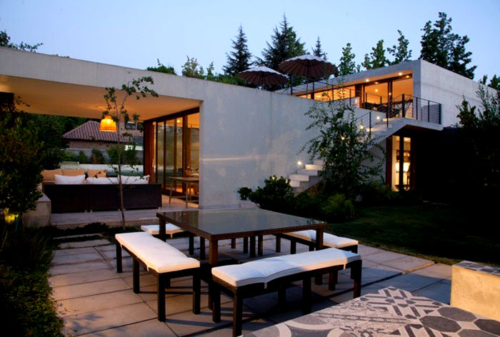 dynamic-chilean-house-outdoor