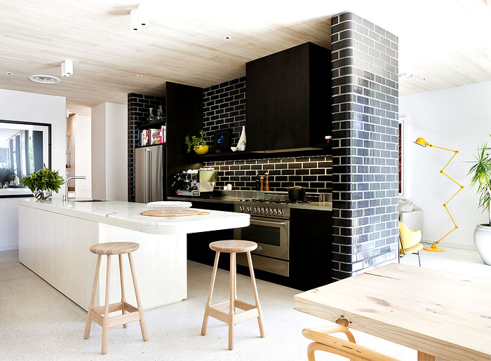 glazed-brickwork-walls-kitchen