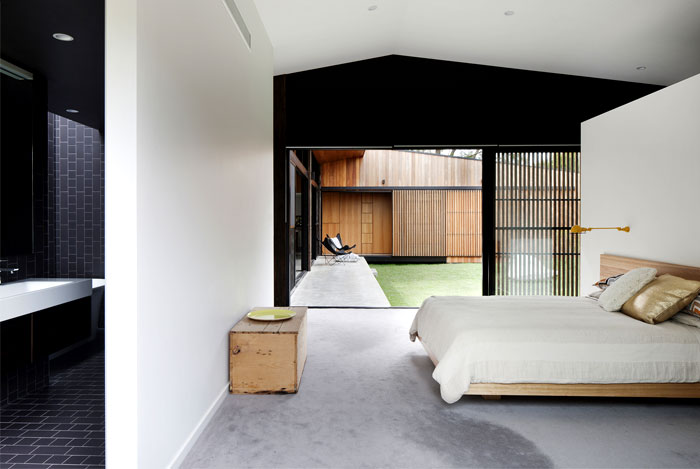 hover-house-maximise-natural-light-privacy