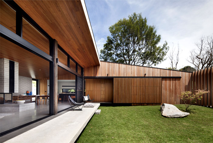 sustainable-home-natural-light-warmth-texture