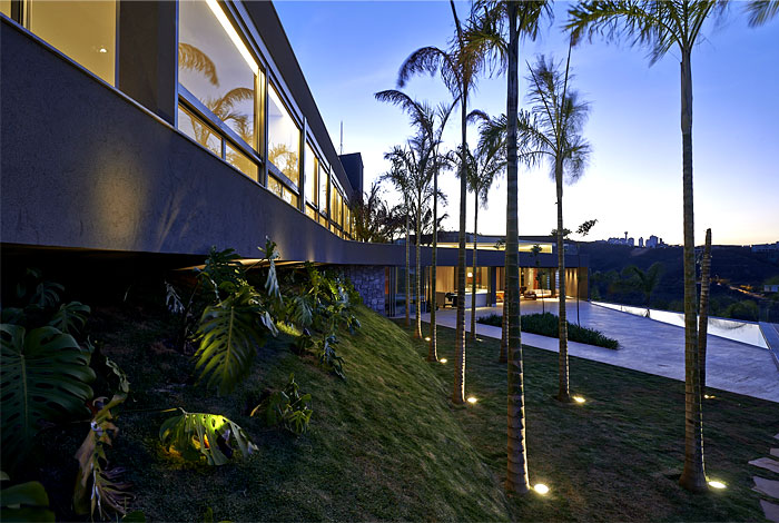 vale-dos-cristais-residence-palm-trees