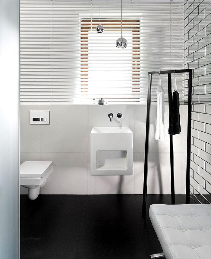 black-white-bathroom-decor