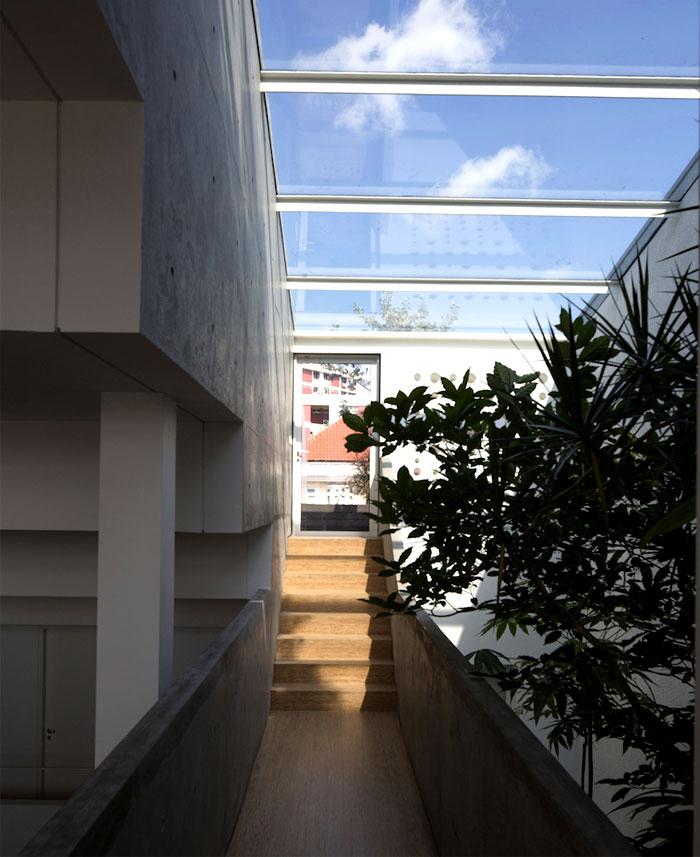 central-landscaped-atrium