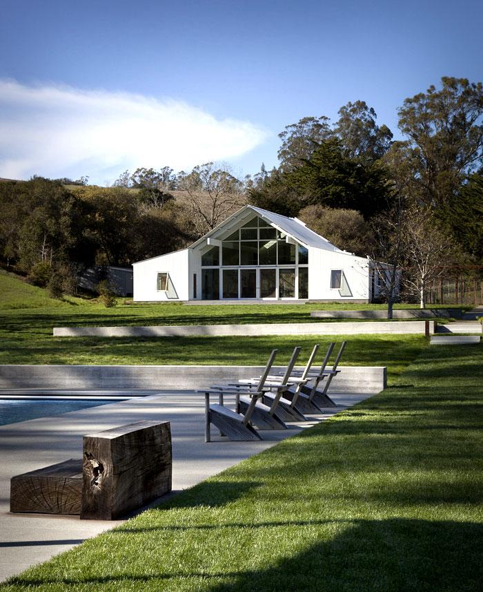 contemporary architecture barn house