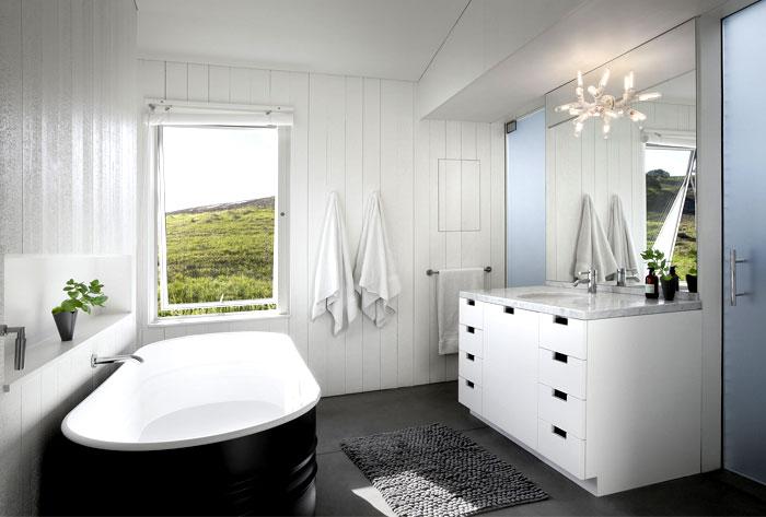 glass barn house bathroom