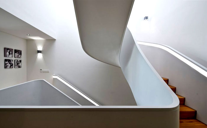dramatic-spiral-staircase-1