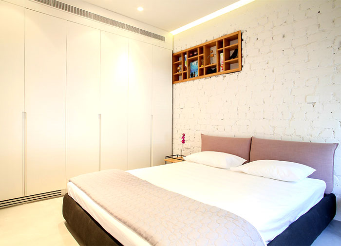 dynamic-very-trendy-art-home-15