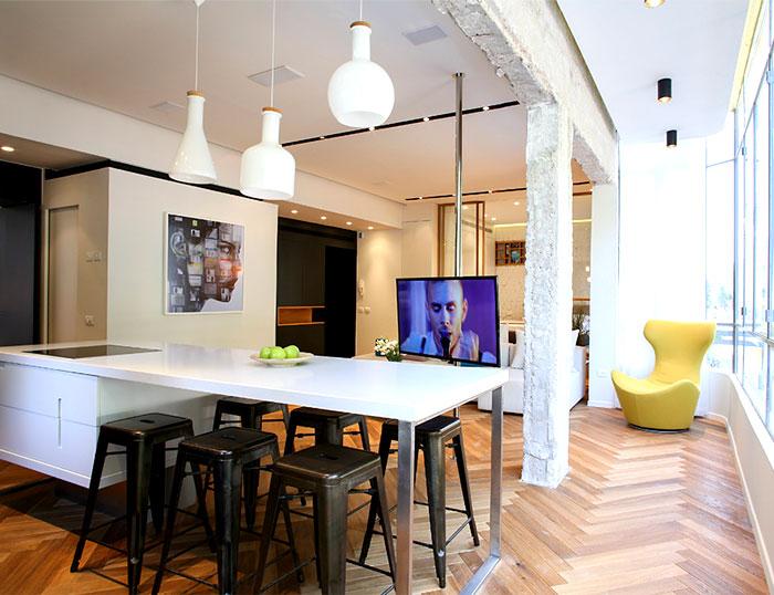 dynamic-very-trendy-art-home-7