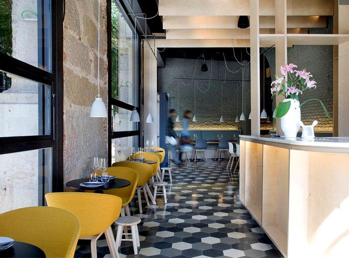 hexagonal paving tile flooring