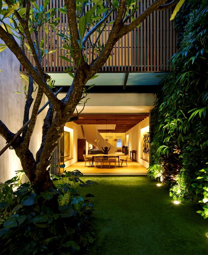 residence-inner-courtyard-garden