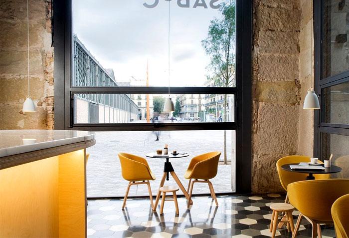 small barcelona restaurant