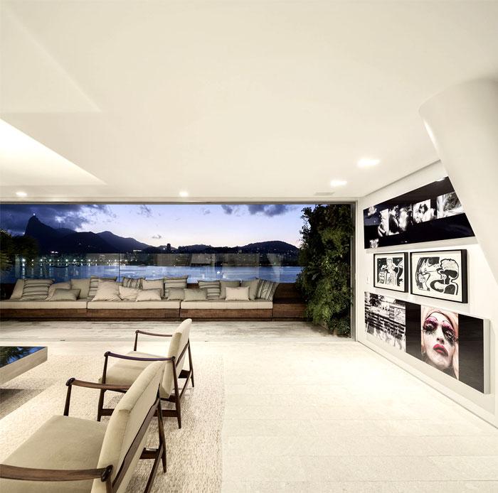ultra luxury penthouse living room
