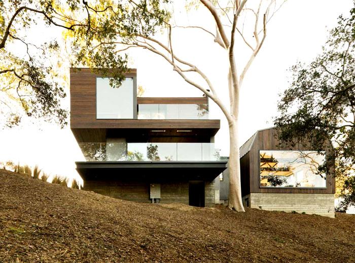 dark-wood-facades-guest-house