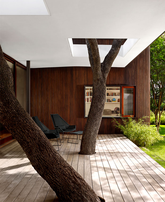 living-trees-incorporated-front-porch