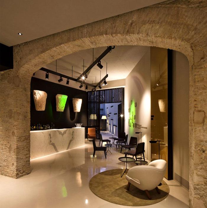 minimalistic-design-caro-hotel
