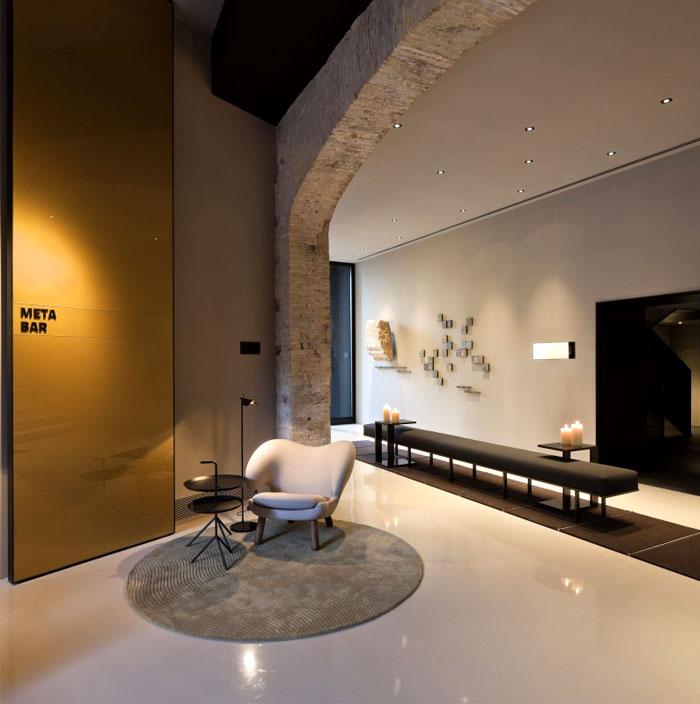 modernistic-interior-caro-hotel