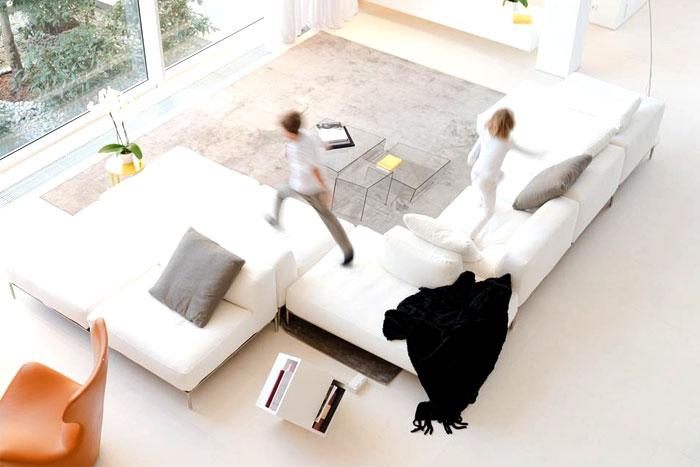russian-villa-white-sofa